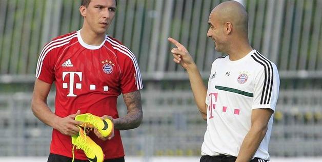 Mario Mandžukić i Pep Guardiola
