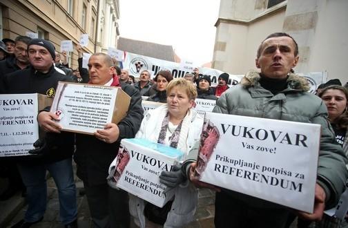 ivi-josipovicu-drugi-mandat-referendum-o-cirilici-je-upitan-504x335-20131250-20131216112429-c349dc80556ce0aee50e21c09d700028[1]