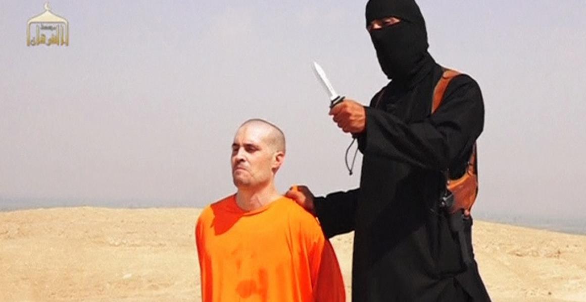OKRUTNI VIDEO Odrezali glavu američkom novinaru i zaprijetili Obami