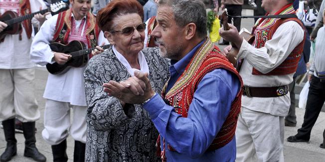 Zagreb, 14.09.2012 - Milan Bandic zaplesao na Trgu Bana Josipa Jelacica
