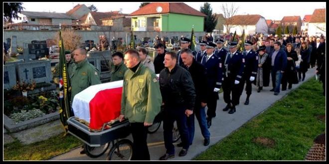 SRAMOTA: Na pogrebu ministra Ivana Vekića nitko iz vojske, policije i Ministarstva branitelja