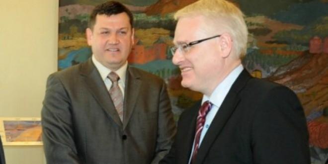 vlado marić-i-predsjednik-Josipović-660x330[3]