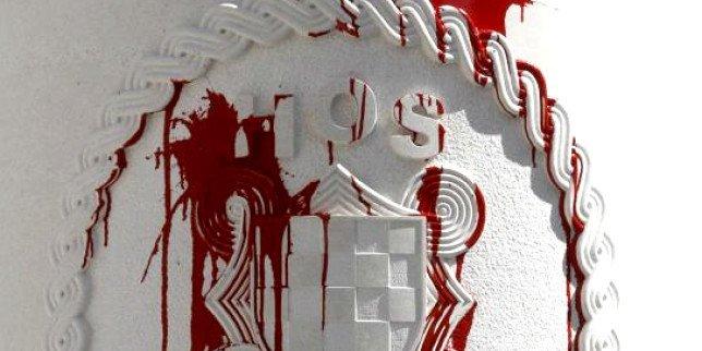 hos-spomenik-vandalizam-crvena-boja