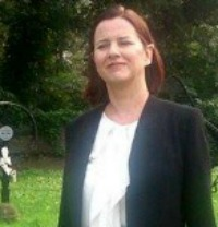 Andrea Andrea Bekic na vojnom groblju, mala