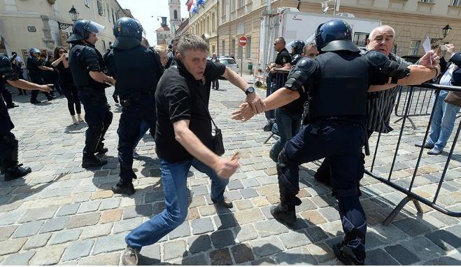 branitelji, policija, sukob, markov trg