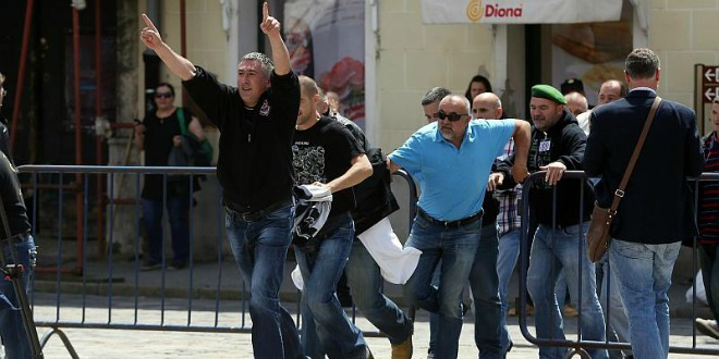 probijanje blokade, markov trg. 29.5. 2015.