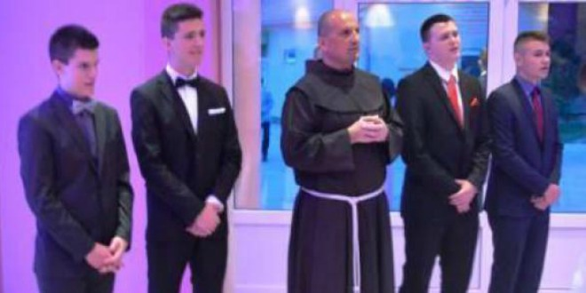 svećenici, knin, maturalana večer