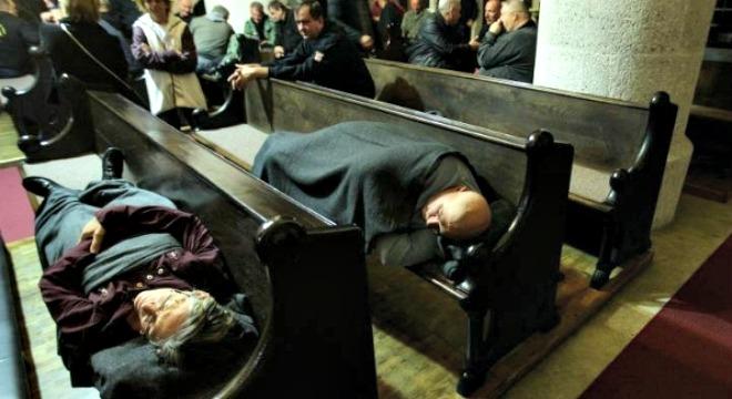 branitelji, crkva sv. marka, spavanje