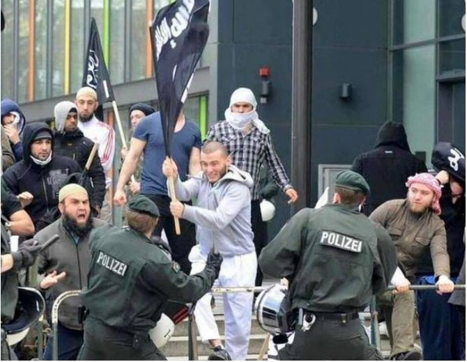 isil, sukob s policjom 22