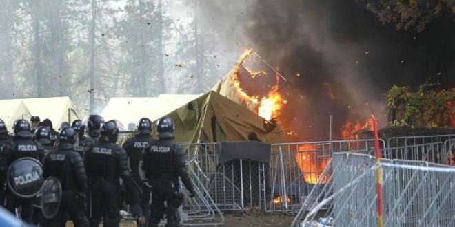 požar, migrantii, šator, slovenija