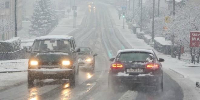snijeg, cesta