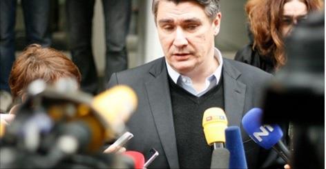 MILANOVIĆ, PRESS