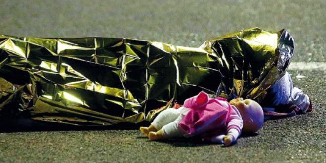 nica, terorizam dijete, lutka
