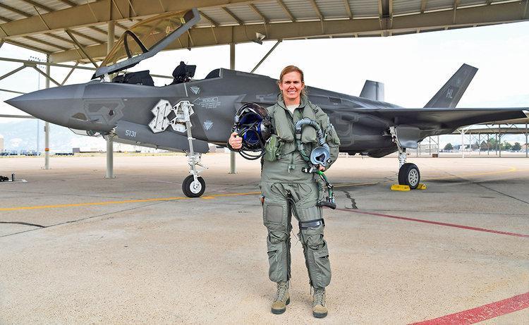 Colonel Regina Sabric US Air Force: Prva žena pilot F-35A