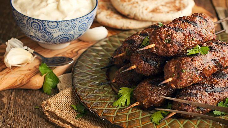 Hrvati su pojeli više od pola tone zaraženog poljskog kebaba! Meso bolesnih krava prodavano u 57 objekata