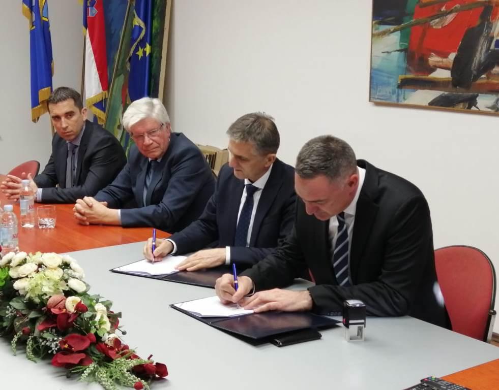 Ministar Marić u Podstrani:  'Vinkovačko' odmaralište postaje kulturni centar
