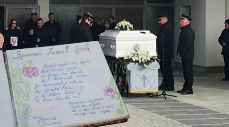 TUGA I BOL U MEĐIMURJU: Na pogrebu Jasmini prijateljica donijela spomenar iz djetinjstva