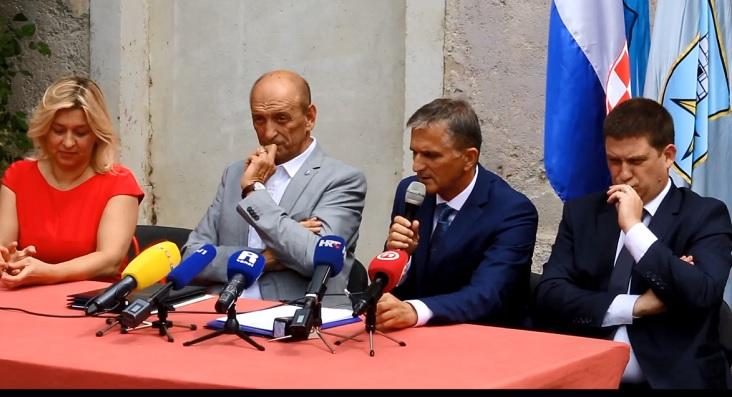 """Reakcije na ostavku Gorana Marića! """"Počela je igranka, Vlada se trese!"""""""
