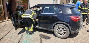 Drama u Koprivnici: Beba ostala zaključana u autu, spašavali ju vatrogasci